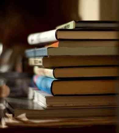 books_custom-55d67cfd22a2a799169bff4d86d2f17f349dc474-s6-c30